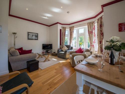 Apartment 6 - Shanklin Manor