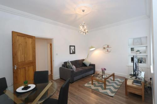 Newmills - Cosy, stylish 1 Bedroom, ground floor apartment - Fast Wifi