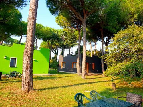 Jardin de l'établissement Villaggio Mithos