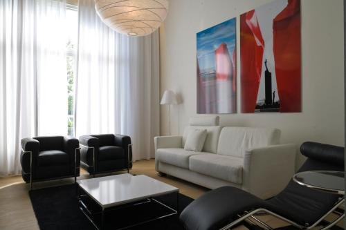 A seating area at Leopold5 Luxe-Design Apartment