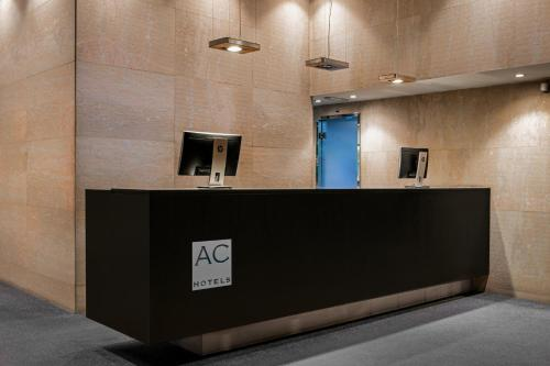The lobby or reception area at AC Hotel Los Vascos