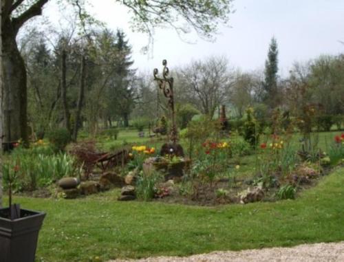 Jardin de l'établissement Chambres d'hotes Villa Nantrisé