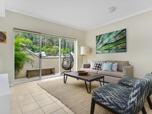A seating area at Barrenjoey at Iluka Resort Apartments