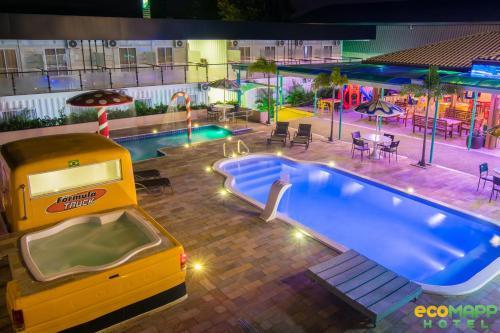 A piscina localizada em EcoMAPP Hotel ou nos arredores