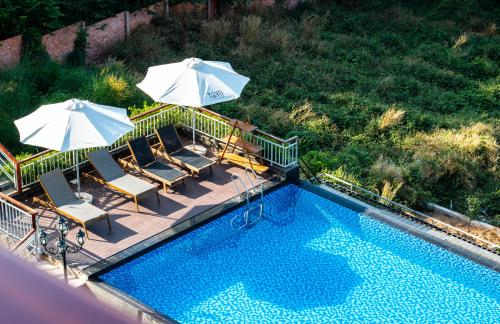 Вид на бассейн в Tom Hill Resort & Spa Phu Quoc или окрестностях