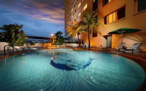 المسبح في فندق صن واي جورجتاون بينانغ أو بالجوار