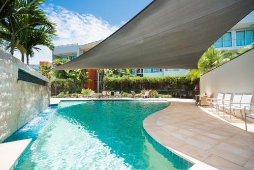 The swimming pool at or near 35/144 Shingley Drive