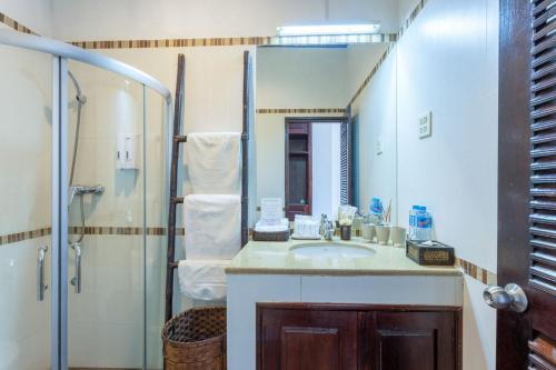 A bathroom at Résidence Sisouk