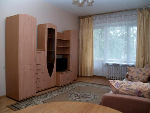 """A television and/or entertainment centre at Дом отдыха """"Клязьма"""""""