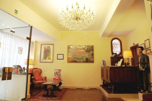 El vestíbulo o zona de recepción de Hotel Tivoli