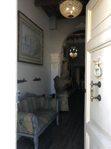 A seating area at Antica Loggetta