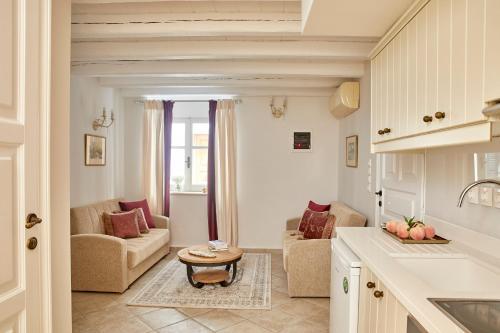 Coin salon dans l'établissement Old Town Luxury Suites 'Lady'