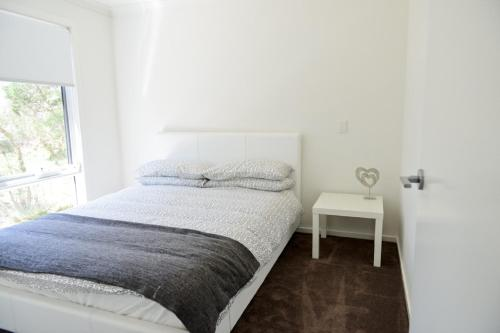 A bed or beds in a room at 7 Gilmore St, Smiths Beach