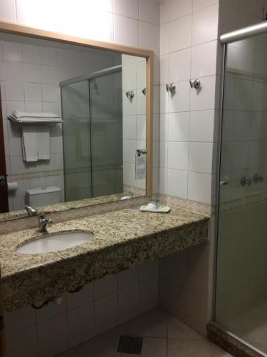 A bathroom at Master Express Lima e Silva - Cidade Baixa