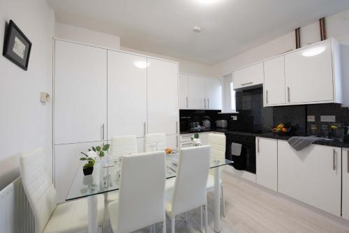 PREMIER - Garfield Apartment