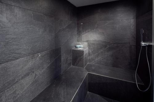 Ein Badezimmer in der Unterkunft Novotel Suites Colmar Centre