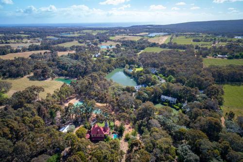 A bird's-eye view of Birdwood Estate