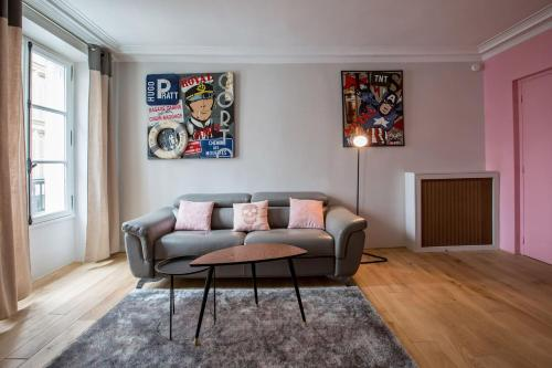 A seating area at Spacious and Charming 6p flat à Madeleine