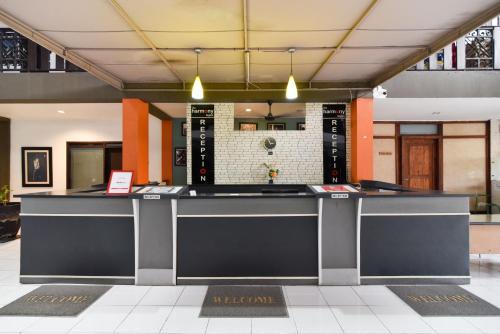 The lobby or reception area at RedDoorz Plus @ Raya Legian
