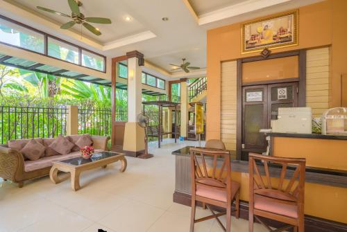 The lobby or reception area at Suphan Lake Hometel