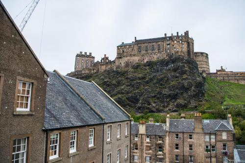 Apartment in Edinburgh with great view on Castle