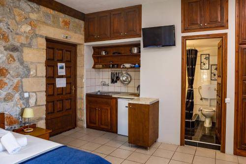 Cuisine ou kitchenette dans l'établissement Papanestoras Apartments