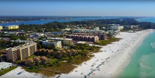 A bird's-eye view of Siesta Breakers #603, Gulfside in Siesta Key, FL