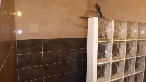 A bathroom at Villa l'Icône