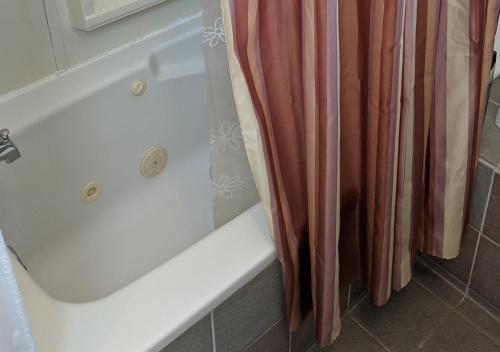 A bathroom at Boulanger Bassin Bed & Breakfast