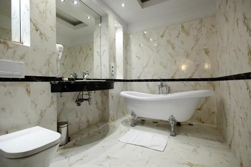 A bathroom at Hotel Splendor