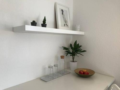 Ein Badezimmer in der Unterkunft Modernes, sonniges Zimmer mit eigenem Bad