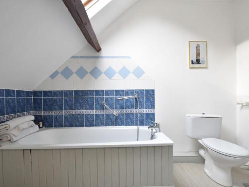 A bathroom at Le Colibri 1