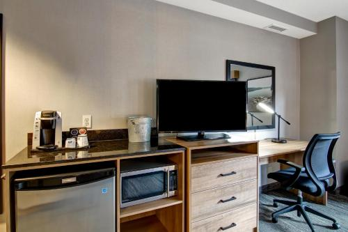 A television and/or entertainment center at Canalta Lodge