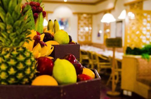 الطعام في الفندق أو بالجوار