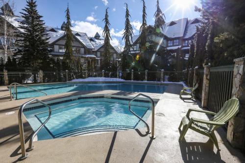 The swimming pool at or near Northstar at Stoney Creek by Whiski Jack