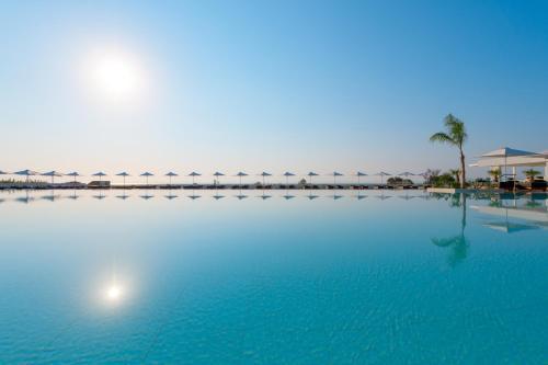 Πισίνα στο ή κοντά στο Gennadi Grand Resort