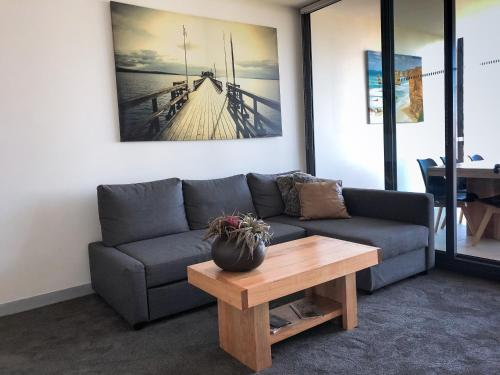 A seating area at Melbourne River Views