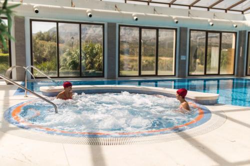 The swimming pool at or near Hotel Dwo Convento la Magdalena