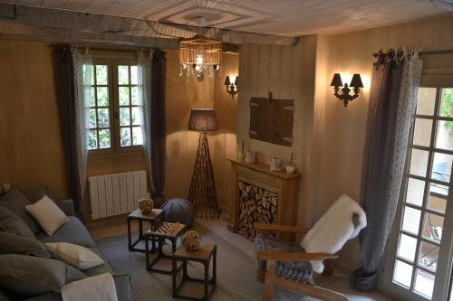 A seating area at La Maison de Moustiers