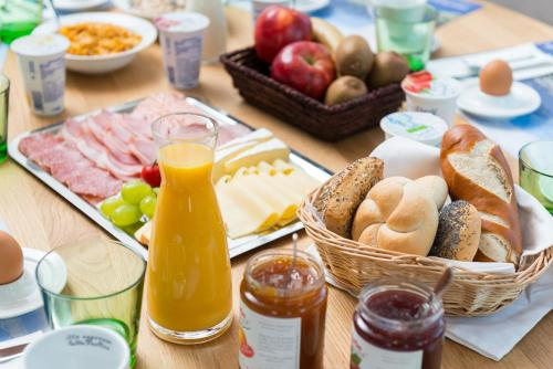 Breakfast options available to guests at Brauereigasthof Reiner