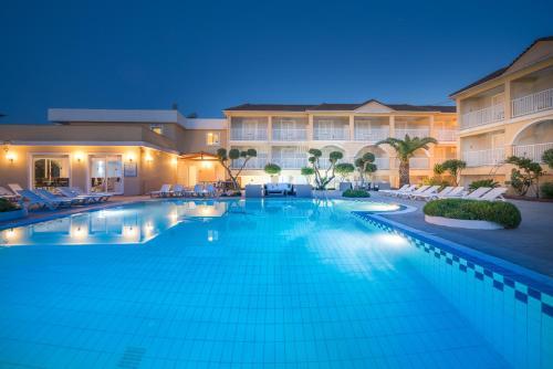 Het zwembad bij of vlak bij Filoxenia Hotel Tsilivi