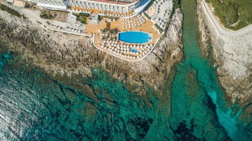 Blick auf Grupotel Aguait Resort & Spa aus der Vogelperspektive