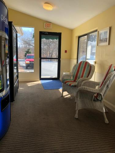 A seating area at Yarmouth Resort