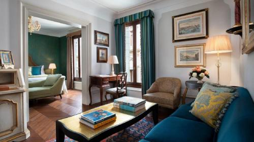 Uma área de estar em The Gritti Palace, A Luxury Collection Hotel