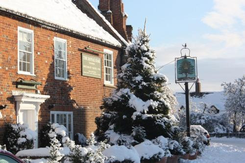 The Royal Oak, Yattendon during the winter