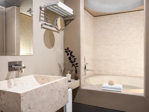 A bathroom at Astir Alexandroupolis