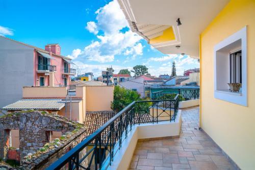 A balcony or terrace at Garitsa Maisonette
