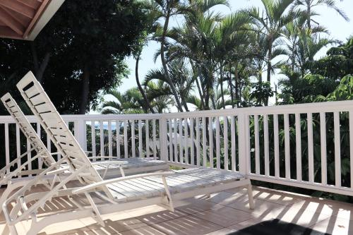 A balcony or terrace at Maui Garden Oasis