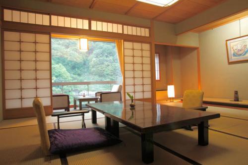 A seating area at Enraku