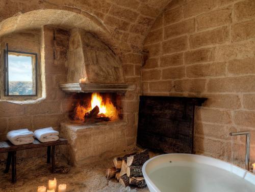 Un baño de Sextantio Le Grotte Della Civita